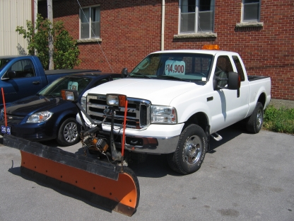 2006 Ford F-250 XLT SuperDuty SuperCab 4x4 Plow at Clancy Motors in Kingston, Ontario