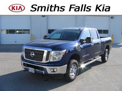 2016 Nissan Titan XD SV Crew Cab 4x4 at Smiths Falls Kia in Smiths Falls, Ontario