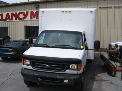 2006 Ford E-450 SuperDuty 18ft Diesel Cube Van at Clancy Motors in Kingston, Ontario