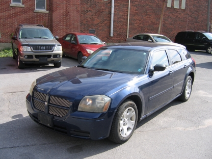 2005 Dodge Magnum at Clancy Motors in Kingston, Ontario