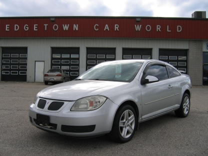 2007 Pontiac G5 Coupe at Edgetown Motors in Smith's Falls, Ontario