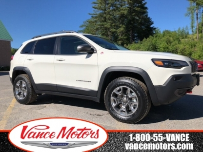 2019 Jeep Cherokee Trailhawk Elite 4x4....bluetooth*leather at Vance Motors in Bancroft, Ontario