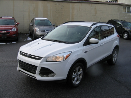 2016 Ford Escape SE EcoBoost 4WD at Clancy Motors in Kingston, Ontario