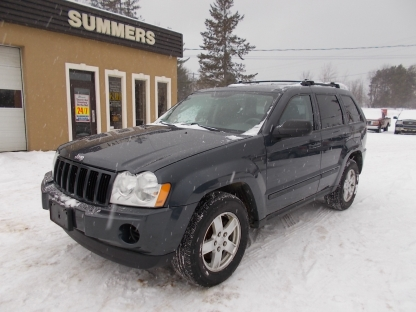 2007 Jeep Grand Cherokee Laredo 4X4 at Summers Motors Eganville in Eganville, Ontario