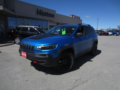 2019 Jeep Cherokee Trailhawk Elite at Hinton Dodge Chrysler in Perth, Ontario