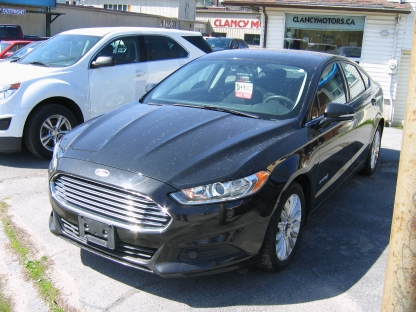 2014 Ford Fusion SE Hybrid at Clancy Motors in Kingston, Ontario