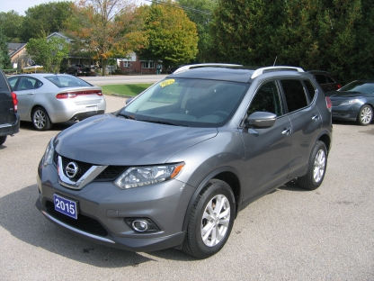 2015 Nissan Rogue SV AWD at St. Lawrence Automobiles in Brockville, Ontario