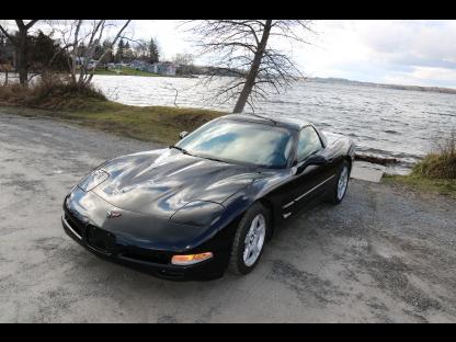 1998 Chevrolet Corvette at Lakeview Motors in Westport, Ontario