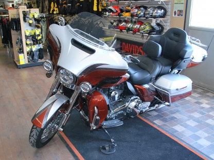 2014 Harley Davidson CVO Ultra Ltd at Pete's Sales & Service in
