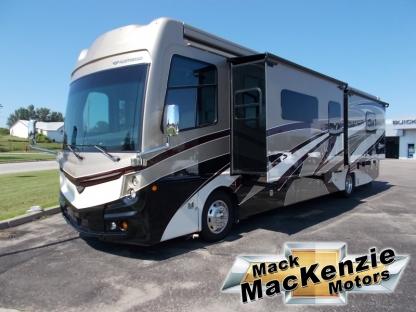 2018 Freightliner Motor Home Fleetwood Discovery 39F at Mack MacKenzie Motors in Renfrew, Ontario